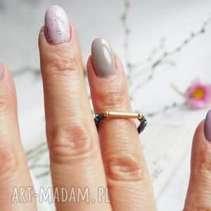 koralikowy elastyczny pierścionek, elestyczny pierścionek