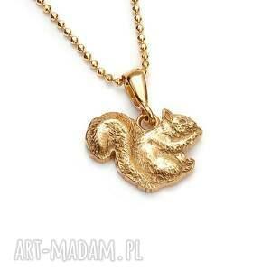 wiewiórka wisiorek na łańcuszku ze złoconego srebra, złocony wisiorek, delikatny