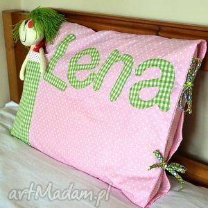 poszewka na poduszkę z imieniem i kieszonką na laleczkę - poszewka