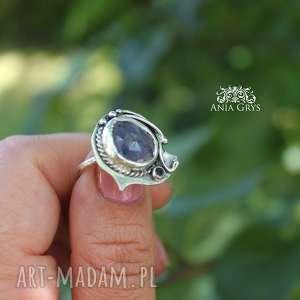 Lawendowy z tanzanitem, tanzanit, pierścionek, srebrny, oksydowany, aniagrys