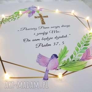 pamiątka chrztu obraz led złoty krzyż liście piórka styl rustykalny prezent