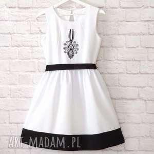 hand made sukienki biała sukienka folkowa z parzenicą s/36 haft