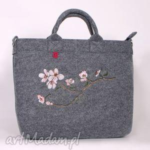na laptopa jasna torba filcowa z haftowaną gałązką jabłoni, torba, torebka, a4, filc