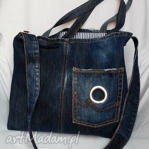 torba z granatowego jeansu , torba, jeans, recykling, ramię, modna, lato