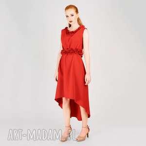czerwona sukienka ze zdobieniem, wesele, kobieca, zdobiona, kwiaty, naszywana