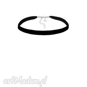 Czarny aksamitny choker z regulowanym zapięciem naszyjniki sotho