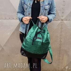 zielony plecak w gwiazdki wodoodporny, plecak, worek, pojemny, skórzany
