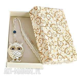 Prezent Srebrna sowa - zakładka w pudełeczku, zakładka, sowa, pudełko, swarovski