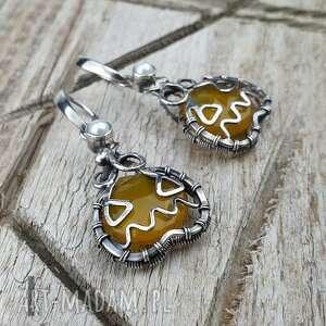 angry pumpkin srebrne kolczyki z chalcedonem miodowym i - kolczyki z perłami