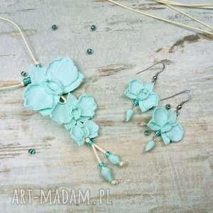 komplet biżuterii: długi wisior i kolczyki orchidee w kolorze miętowym, miętowy