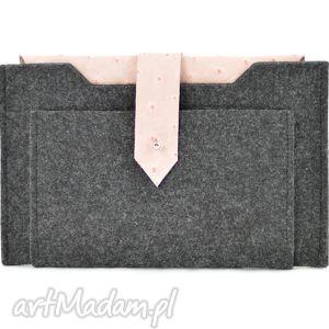 handmade etui etui na tablet 7- grafitowe z różową skórą strusia