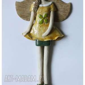 hand-made ceramika wiszący anioł z koniczyną