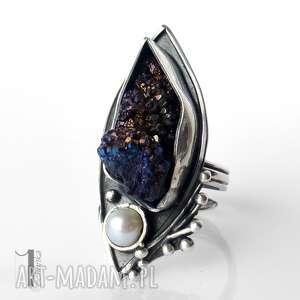 Velen srebrny pierścień z druzą tytanową i perłą, druza, tytan, perła, pierścionek