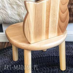 Pokoik dziecka wnetrze z gustem krzeselko