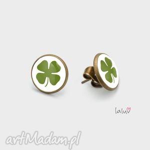 mini kolczyki sztyfty czterolistna koniczyna, malutkie, lekkie, urocze, symbol