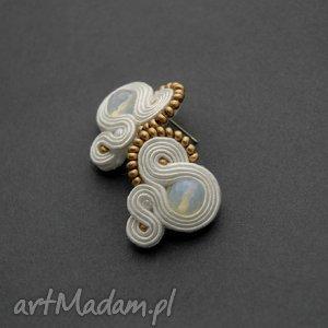 białe kolczyki sutasz, sznurek, ślub, ślubne, małe, sztyfty, eleganckie