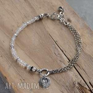 ręczne wykonanie bransoletki kryształ górski. delikatna srebrna bransoletka z zawieszką