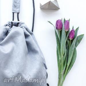 ręcznie zrobione szary plecak zamszowy