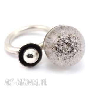 pierścionek z dmuchawcem, żywica i srebro, dmuchawiec, żywica, roślinna, srebrny