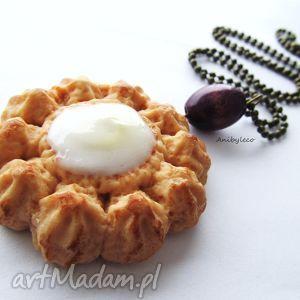 pomysły na upominki świąteczne Naszyjnik ciasteczko z śmietankowym nadzieniem