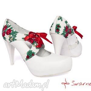 ręcznie wykonane buty ślubne na niskim obcasie dla pani marty