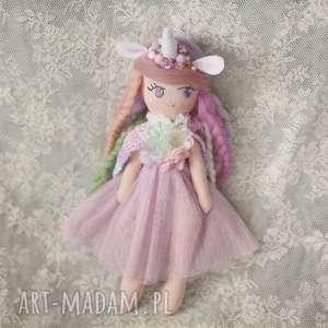 lalki tęczowa bajka - lalka lilia, lalka, bajka, pelerynka, jednorożec