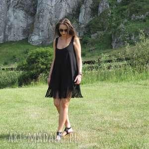 52-czarna dzianinowa sukienka z frędzlami, sukienka, lalu, mini, frędzle, dzianina