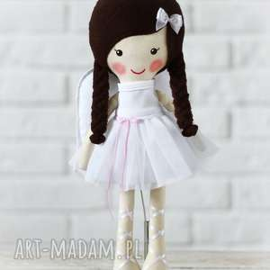 aniołek amelia w czekoladowych włosach, lalka, zabawka, przytulanka, prezent