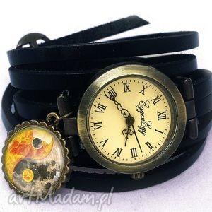 yin yang - zegarek bransoletka na skórzanym pasku - zawieszką