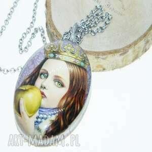 wisiorki szklany wisior dziewczynka z jabłkiem, wisior, kolorowy