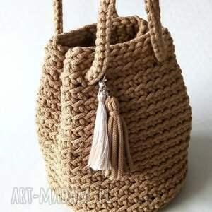 torebka ze sznurka bawełnianego handmade beżowa z chwostami