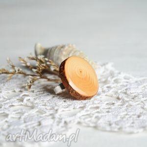 pierścionki wyrazisty pierścionek z naturalnego plastra drewna korą, drewniany