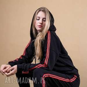 dres damski czarny z lampasami szyk, marynarka, odzież sportowa, kurtka jesienna
