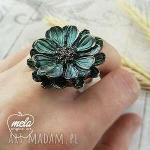 0989/mela pierścionek z żywicy kwiat zieleń/złoto, pierścionek, kwiat, żywica