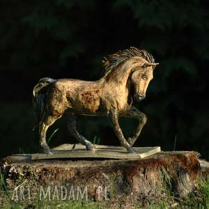 Jesienny konik w brązach, koń, rzeźba, figurka, ceramika, miłośnik, koni