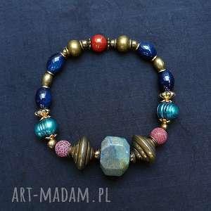 bransoletka w stylu boho modna efektowna dla miłośniczki