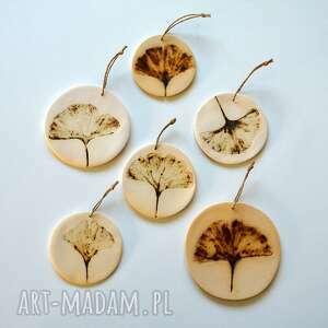 6 ceramicznych zawieszek, zawieszka, ceramiczna, motyw roślinny, dekor