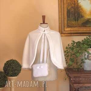 handmade płaszcze biała polarowa pelerynka