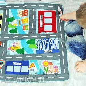 handmade zabawki składana ulica z samochodami - mata edukacyjna dla chłopca
