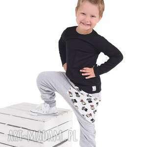 handmade ubranka spodnie szare z kieszonką batmany