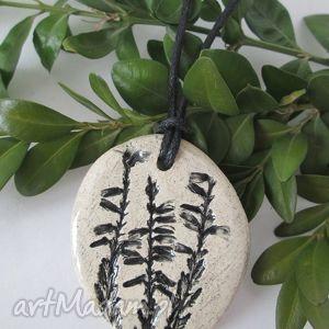 roślinny wisiorek 2, ceramiczny, wisior, ekologiczny, wrzosowy