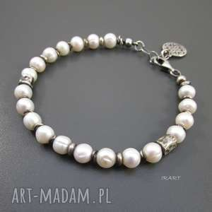 Rozeta z perłami, perła, srebro