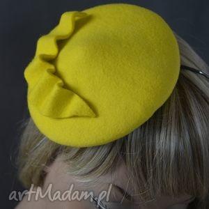 she żółty, fascynator, zółty, toczek, filc, święta