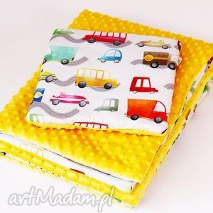 Zestaw niemowlaka AUTKA żółty, zeskaw, kocyk, poduszka, autka