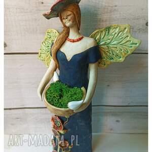 ceramika anioł z makami, ceramika, anioł, mech, chrobotek, ptaki, maki