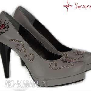 buty szare góralskie szpilki z parzenicą, folk, srebro, parzenica, ludowe