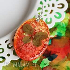 hand made wisiorki czterolistna koniczynka w pomarańczy - zawieszka