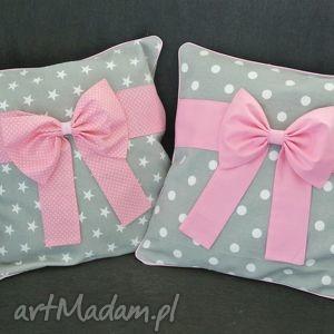 Poszewka na poduszkę szara z różową kokardą, poduszki, gwiazdki, gwiazda, kokarda