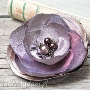 elegancka fioletowa broszka, kwiatek - fioletowy, broszka, broszki, elegancka, prezent