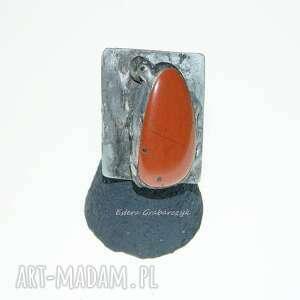 pierścionek z naturalnym kamieniem blachy tytan-ocynk rozmiar 20